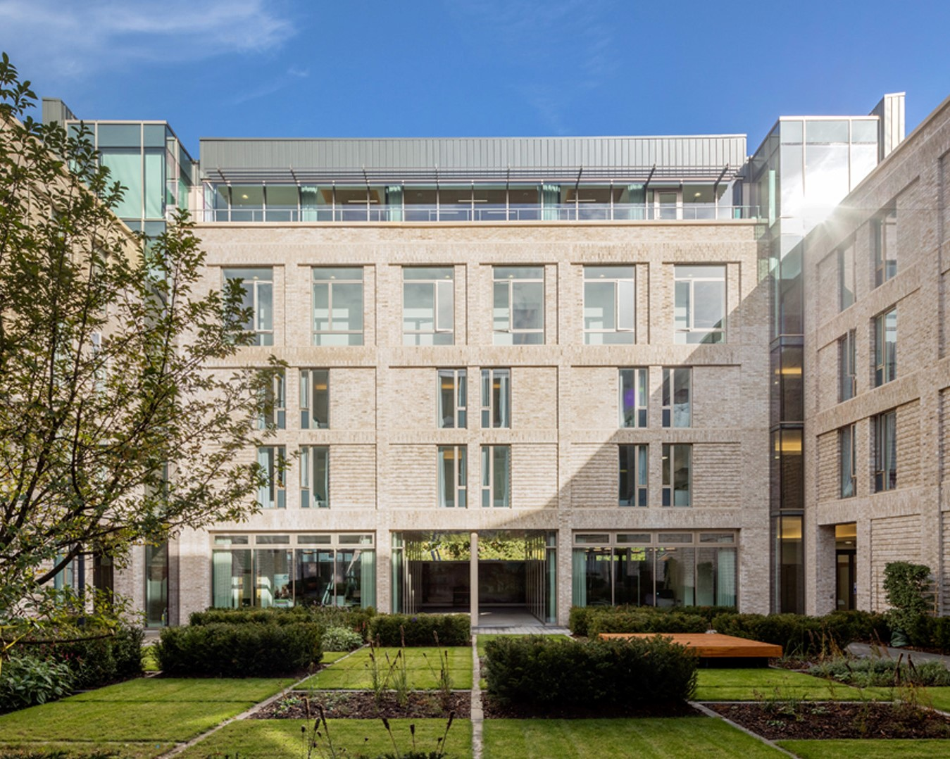 Decomo Delivers Brick-Faced Finish in Roehampton | 610 Precast Concrete Panels
